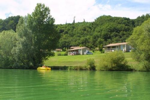 Camping domaine-du-lac-de-champos
