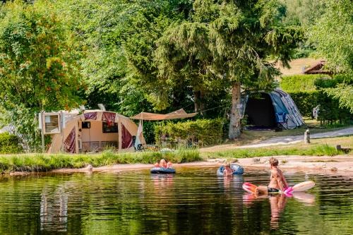 Camping flower-la-steniole