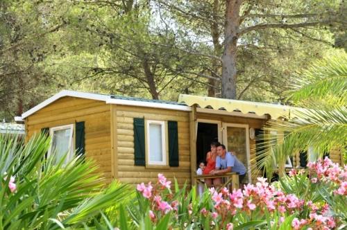 Photos du Camping Capfun Arbois Du Castellet